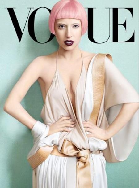 Vogue flirte avec le digital via une application iPad