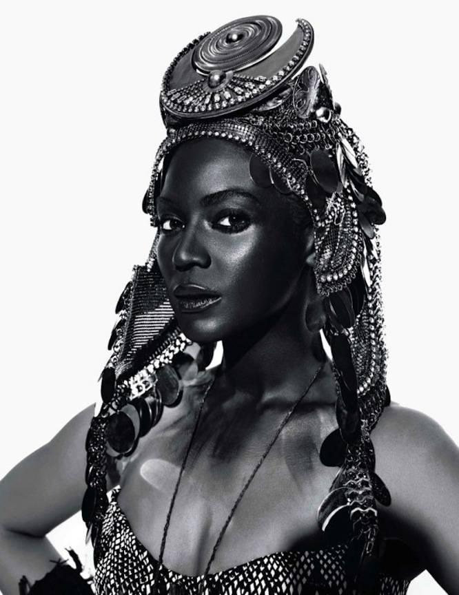 Beyoncé en reine d'Afrique – L'Officiel à côté de la plaque !