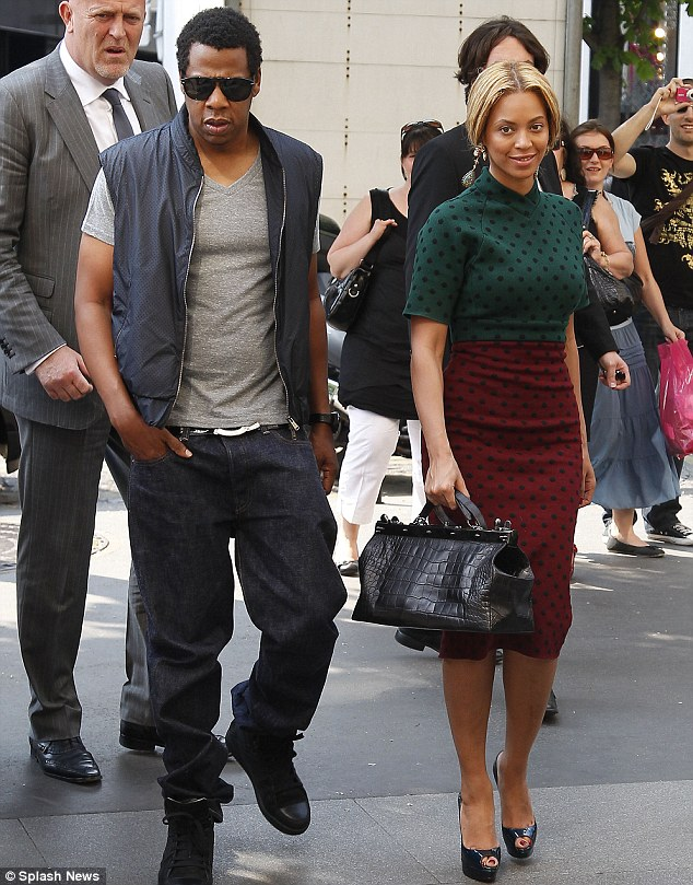 Beyoncé WTF !!! Un WandaLook à Paris !