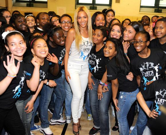 """Campagne """"Let's move"""" – Le clip de Beyoncé et la surprise dans une école de Harlem !"""