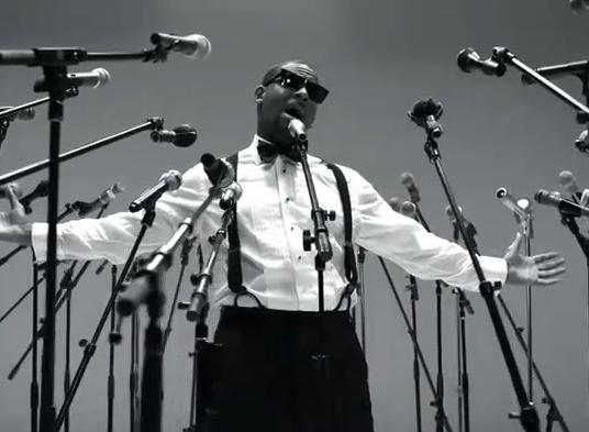 "R.Kelly interprète ""When a Woman Loves"" au Grand Journal de Canal +"