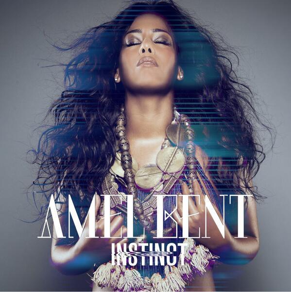 Musique : Amel Bent seins nus pour sa pochette d'album ?