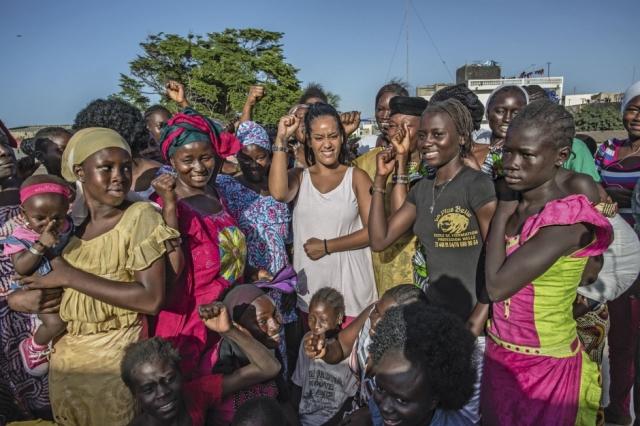 People : Amel Bent au Sénégal dans le cadre de l'Unesco