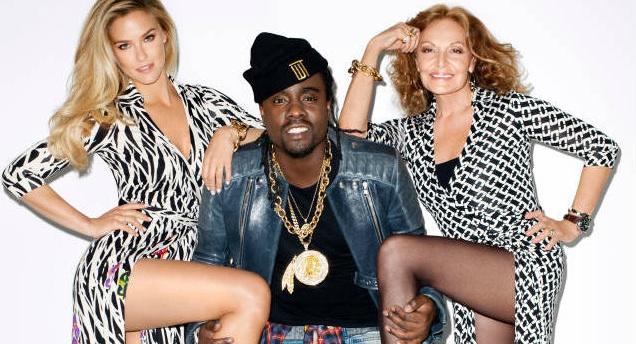 People : Wale pose avec Bar Refaeli et Diane Von Furstenberg pour Harper's Bazaar