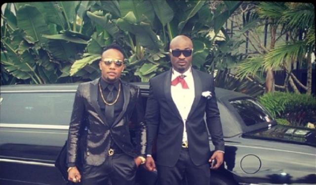 People : KCee chaud le feu sort pour les Grammy Awards 2014