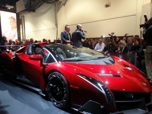 """People : Swizz Beatz et Shaquile O'Neal mettent le feu pour """"Monster"""" et Lamborghini"""