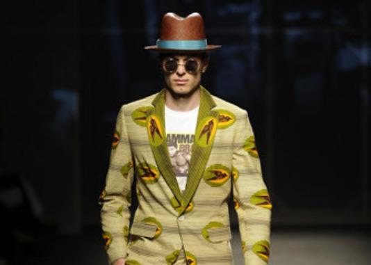 Mode : Le pagne pour homme vu par Stella Jean