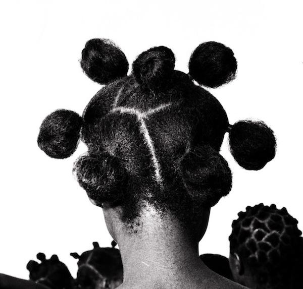 Photographie : Hommage au photographe nigérian J.D. Okhai Ojeikere