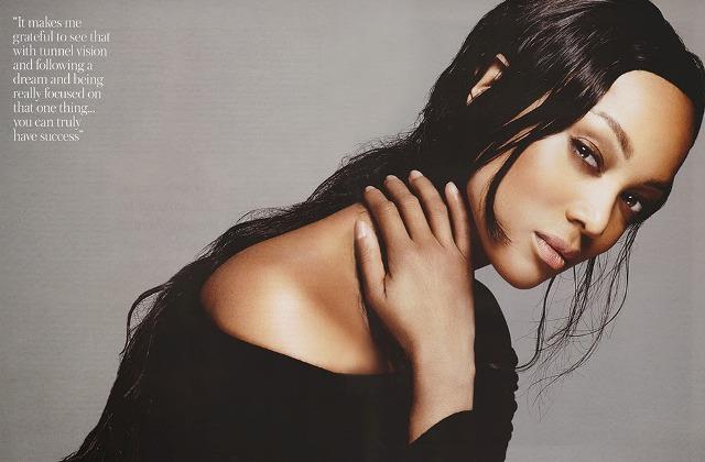 """People : Tyra Banks joue les veuves pour """"Mega Magazine"""""""