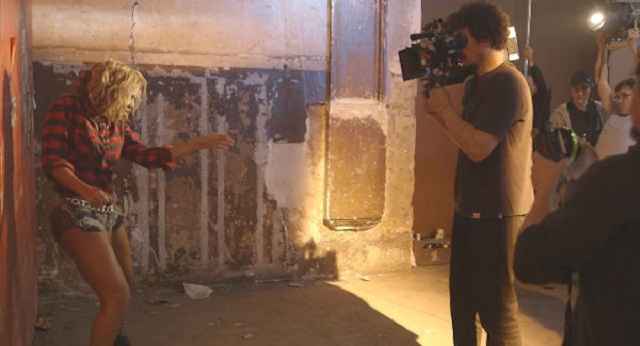 Beyonce-behind-the-scenes-jewanda-3