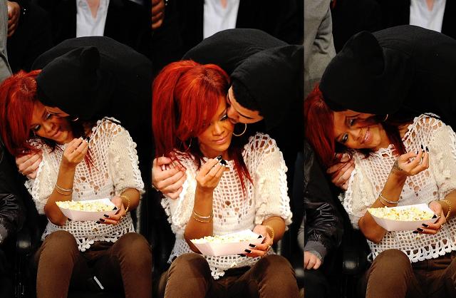 People : Rihanna et Drake font les ways aux toilettes !