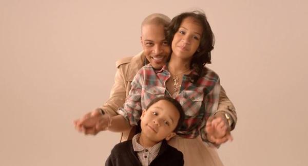 """People : T.I. et sa femme reprennent le générique du Cosby Show pour """"The Hustle Family"""""""