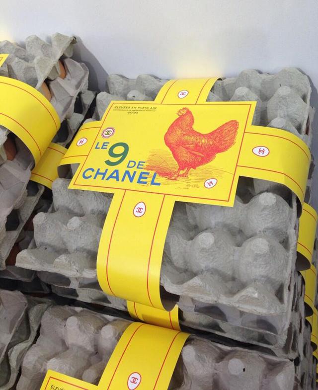 oeufs-defile-supermache-chanel-collection-automne-hiver-2014-jewanda