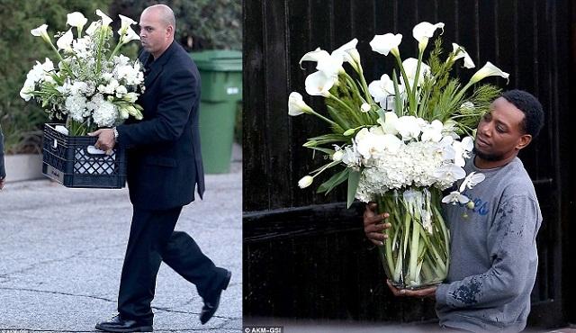 People : Robin Thicke envoie des fleurs à sa femme