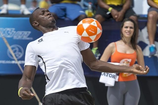 People : Usain Bolt veut jouer au football !