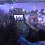 Exclu : Jovi met le feu au Boucan à Douala