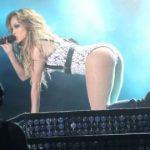 """People : Jennifer Lopez poursuivie pour """"outrage public à la pudeur"""" au Mar..."""