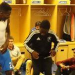 """Vidéo : """"Coller la petite"""" - Même Didier Drogba et Mokobe n'y résistent pas..."""