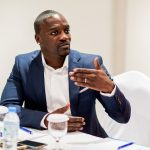 Business : Akon au secours des villages africains !