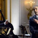 Vidéo : Barack Obama rend hommage à Ray Charles en chanson
