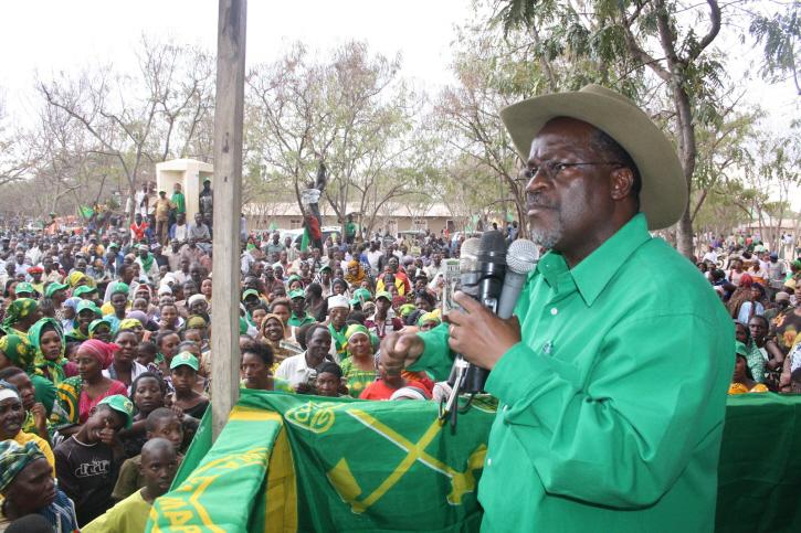 president-Tanzanien-jewanda-2