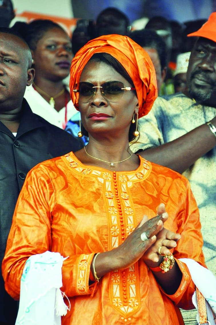 Premiere-dame-burkina-fasso-Diplome-afrique-jewanda3