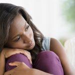Amour et relations : Top 5 des confidences courantes des jeunes filles à le...