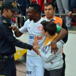 People : Samuel Eto'o calme une émeute dans un stade en Turquie !