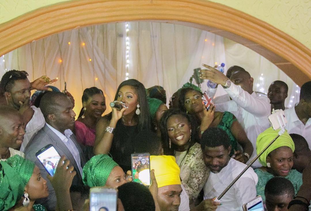 video-mariage-fan-tiwa-savage-jewanda-1