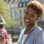 Interview : Rokhaya Diallo, la féministe nappy se confie au magazine Le Poi...