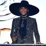 """People : Beyoncé désignée """"Icône de la mode"""" 2016"""