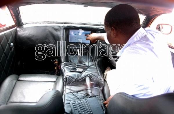 nigerian-fabrique-voiture-sport-teleguide-avec-smartphone-jewanda62