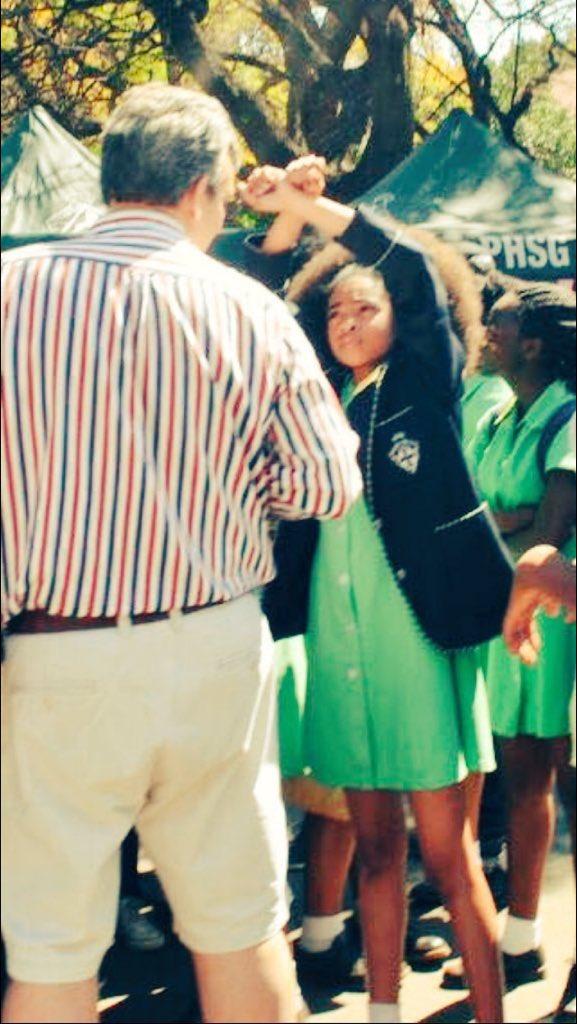 ecole-afrique-du-sud-interdit-cheveux-naturels-ecole-eleves-protestent-jewanda-5