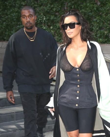 kim-kardashian-robe-transparente-jewanda-11