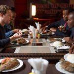 People : Tonton Zuckerberg mange du couscous ndjap* au Kenya en compagnie d...