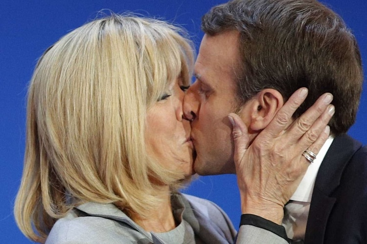 Macron et sa femme leur rencontre. La datation.